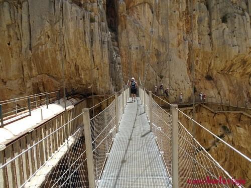 Puente colgante del Caminito